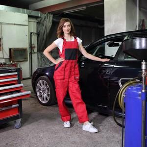 Girl getting fucked gor car repaire